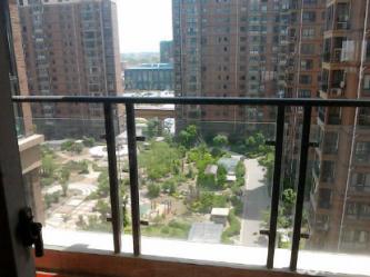 虹亚新城3室2厅电梯房房东个人出租 精装全配核心地段品质楼盘